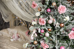 L'intérieur de nouvelle année et de Noël dans la couleur rose Photo libre de droits