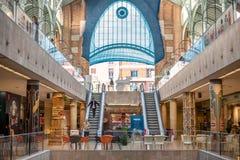 L'intérieur du bâtiment des deux points de Mercado à Valence, Espagne images stock