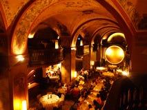L'intérieur luxueux du restaurant exclusif au centre de Berne photographie stock libre de droits