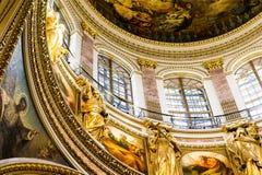 L'intérieur luxueux du temple photographie stock