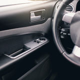 L'intérieur moderne de voiture détaille le plan rapproché images stock