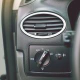 L'intérieur moderne de voiture détaille le plan rapproché photographie stock libre de droits