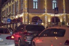 ? l'int?rieur d'un taxi conduisant par la ville la nuit images libres de droits