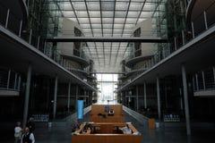 ? l'int?rieur de l'entr?e hall de Bundestag images libres de droits