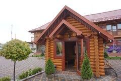 L'int?rieur du caf? de Hutsul dans les montagnes carpathiennes l'ukraine photo libre de droits