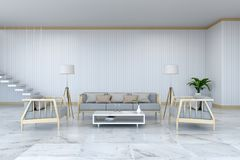 L'interior design minimalista della stanza, la poltrona di legno ed il sofà sul pavimento di marmo e su room/3d bianco rendono Fotografie Stock Libere da Diritti