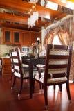 L'interiore costoso di lusso della sala da pranzo Fotografie Stock