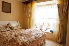 L'interiore della camera da letto di eleganza Immagine Stock