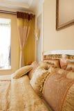 L'interiore di lusso della camera da letto Fotografia Stock Libera da Diritti