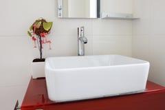 L'interiore moderno della toilette Fotografie Stock