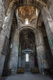 L'interno con l'altare della chiesa del monastero benedetto di Ozun del vergine Immagine Stock