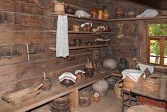 L'interno del museo di architettura di legno Vitoslavlitsy Fotografie Stock