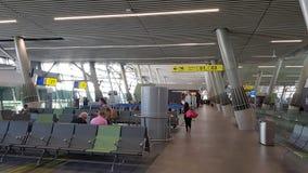 L'interno del terminale dell'aeroporto internazionale di Arturo Merino BenÃtez dell'aeroporto di Santiago de Chile, Cile fotografia stock libera da diritti
