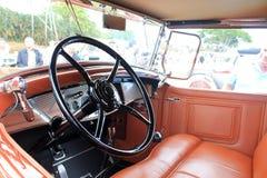 L'interno dell'automobile classica americana di lux Immagine Stock