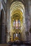 L'interno della cattedrale metropolitana dei san Vitus, Wenceslaus e Adalbert è una cattedrale metropolitana cattolica in Pra Fotografie Stock Libere da Diritti