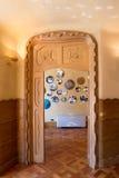 """L'interno di Batllo della casa della casa di Antonio Gaudi dettaglia porta scolpita interna del †"""" Fotografia Stock Libera da Diritti"""
