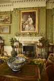 L'interno e l'arte obietta ad una bella casa di campagna vicino a Leeds West Yorkshire che non è una proprietà di fiducia naziona Fotografia Stock