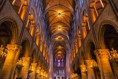 L'interno incurva il vetro macchiato Notre Dame Cathedral Paris France Fotografia Stock