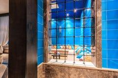 L'interno turco del hamam della stazione termale di anima con la regolazione orientale autentica comoda trasforma il passatempo o Fotografia Stock