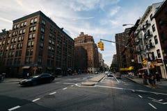 L'intersection de la 9ème avenue et de la 22ème rue, en Chelsea, heures-homme Photographie stock libre de droits