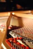 À l'intérieur d'un piano à queue Image libre de droits