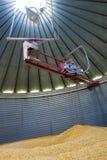 À l'intérieur d'un silo de grain Photo stock