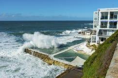 L'inverno infuria la spiaggia di Bondi Immagini Stock Libere da Diritti