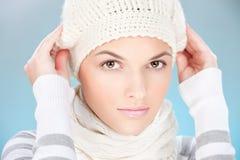 L'inverno si veste in su Fotografia Stock Libera da Diritti