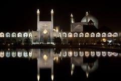 L'Iran, Esfahan à la nuit, à la mosquée lumineuse d'Emam et à la place Images libres de droits