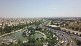 L'Iran 2018, può Un monumento situato al quadrato di Azadi stock footage