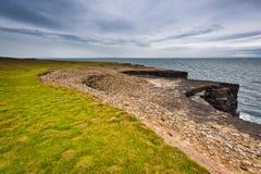 l'Irlande, falaises sous le ciel excessif, tête de boucle Image libre de droits