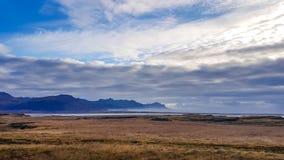 L'Islande - fjords et une prairie images libres de droits
