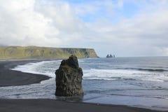 L'Islande, plage noire de sable Photo stock