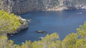 L'isola circonda il mare Immagini Stock Libere da Diritti