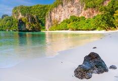 l'isola di Hong ha visitato il posto turistico in Tailandia immagine stock