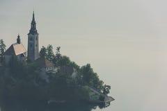 L'isola nel lago ha sanguinato, la Slovenia Fotografie Stock