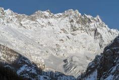 L'Italia, Cervinia, montagne innevate Fotografie Stock
