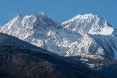 L'Italia, Cervinia, montagne innevate Immagini Stock