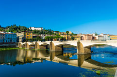 L'Italia, Firenze, ponte, riflessione fotografie stock libere da diritti