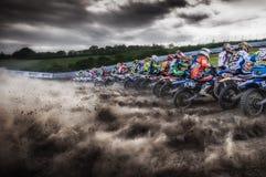 L'Italia maggio 2015 - linea di partenza di motocross a Cavallara Pesaro durante la prova del campionato italiano di motocross Fotografia Stock