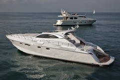 L'Italia, mare di Tirrenian, yacht di lusso Fotografia Stock Libera da Diritti