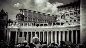 L'Italia, Roma, il quadrato di St Peter vatican colonnades Nessun 2 fotografia stock libera da diritti