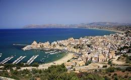 L'Italia, Sicilia, villaggio di Castellamare del Golfo Immagine Stock