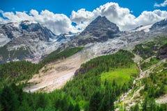 L'Italia, sosta nazionale di Stelvio Strada famosa a Stelvio Pass nelle alpi di Ortler Fotografie Stock