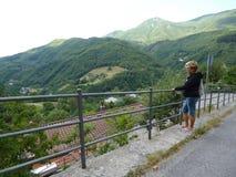 L'Italia, Toscana, Cutigliano luglio, ottavo, 2018 Vista da sopra fotografia stock libera da diritti
