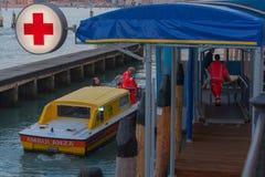L'Italia, Venezia, ambulanza Immagini Stock