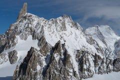 L'Italie, Courmayeur, chaîne de Mont Blanc Photos stock