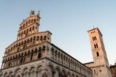 L'Italie, Lucques, la façade de l'église de St Michael dans le trou photo stock