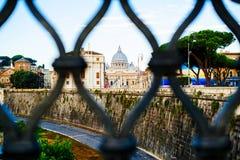 L'Italie, Rome, ville du dôme de Vatican de St Peter vu de l'AFA Images libres de droits