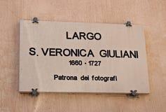 L'Italie : Saint Veronica Giuliani Square de signal de route photographie stock